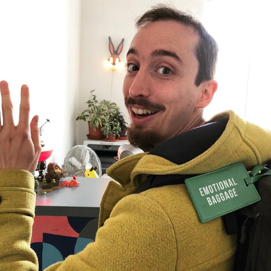 Giacomo vem de Itália e adora Cowork Central até com a sua bagagem emocional.