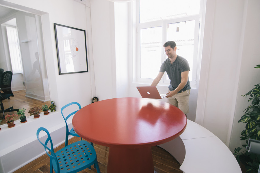 Meeting rooms for 1 to 5 people at Cowork Central Cais do Sodré